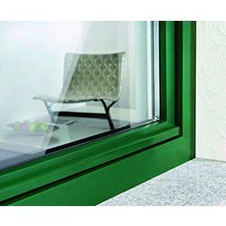 hlinikove-oplastenie-plastovych-okien