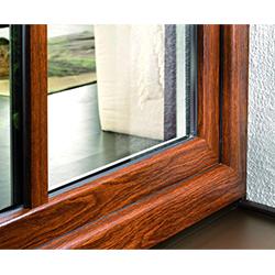 plastove-okna-s-drevenym-dizajnom